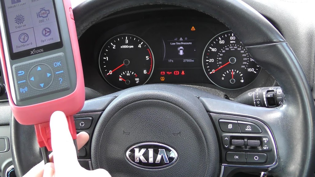 xtool-x100-pro-2-kia-mileage-correction-via-obd2-01.jpg