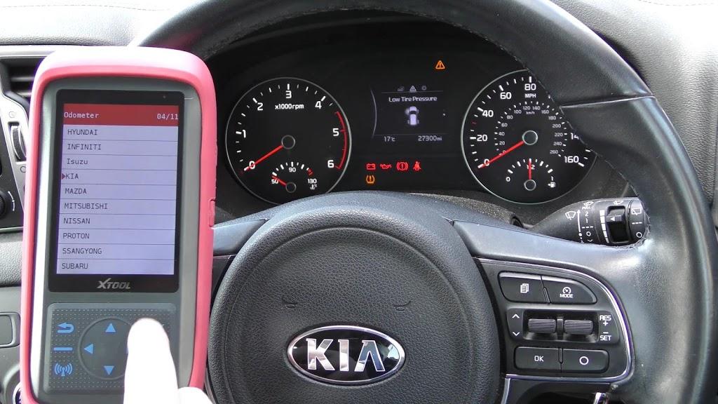 xtool-x100-pro-2-kia-mileage-correction-via-obd2-04.jpg