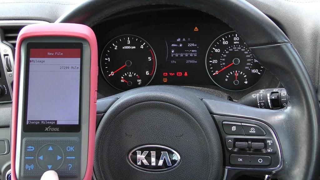 xtool-x100-pro-2-kia-mileage-correction-via-obd2-11.jpg
